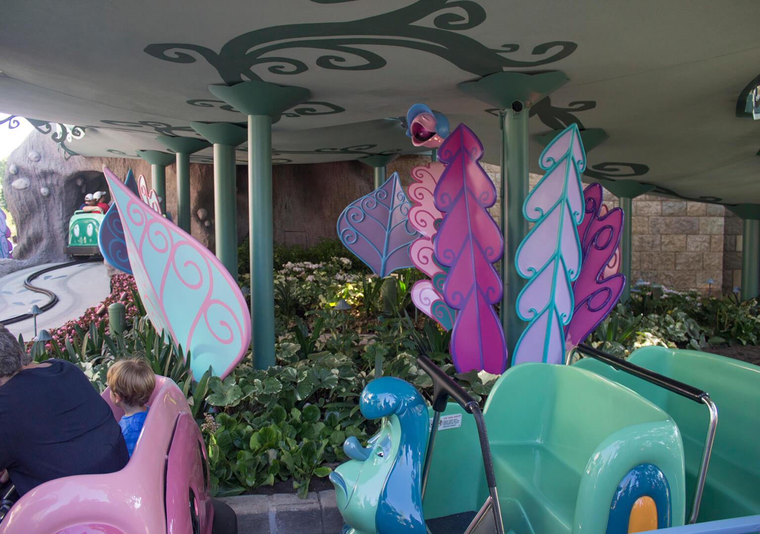 inside the magic - alice in wonderland ride